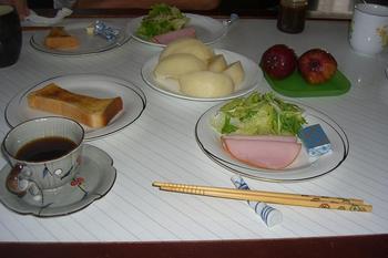 ある日の朝食1.JPG